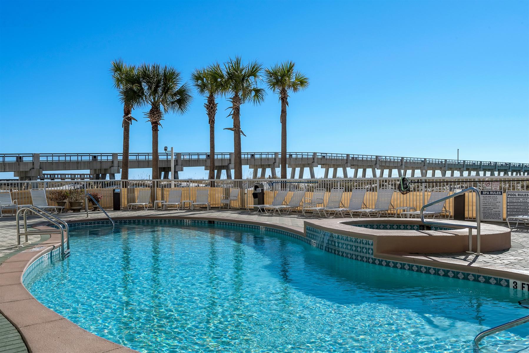 Summerwind Resort Navarre FL Pool Area
