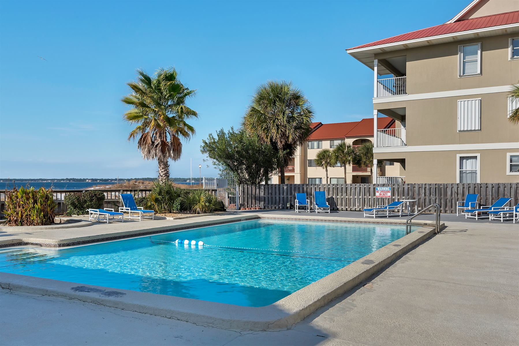 Sunset Harbor Palms navarre beach pool area